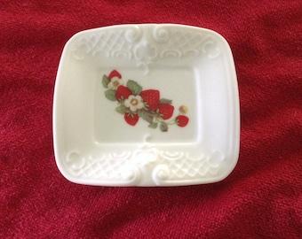 Porcelain Teabag  Strawberry  Rectangular  4 5/16 x 3 7/8