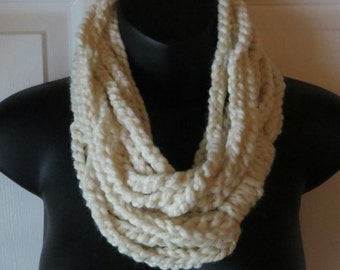 Chunky Cream Infinity Scarf..Cowl..Neck Warmer..Crochet..Chain..Gift for friend..Accessory