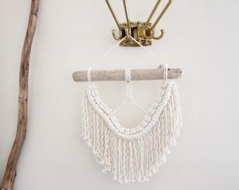 Macrame Wall Hanging/Weaving/Tapestry/Wall Hanging/Macrame Decor/Wall Art/Wall Decor/White