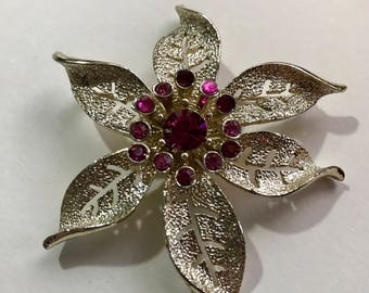 Vintage SARAH COV Fashion Flower Brooch. Gold Tone and Hot Pink Floral Pin. Spring Coat Pin. 1960s Jewelry. Sarah Collector Gift for Her Mom