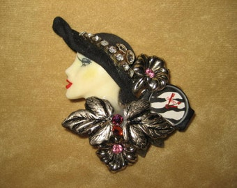 Lady Face Pin Brooch Rhinestones 80s Vintage