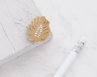 Monstera Leaf Enamel Pin - Gold Enamel Pin - Leaf Pin - Enamel Lapel Pin - Fashion Enamel Pin - gift for her - Monstera Plant - Fun Pin