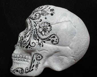 Hand Painted Plastic skull - Life size painted skull - Halloween Hand Painted plastic skull - Day of the Dead Skull -  Día de Muertos