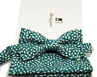 "Green with White ""Rice"" Bow Tie and Pocket Square Set."