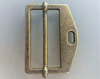 Belt loop or attach asymmetrical brass passage 4 cm