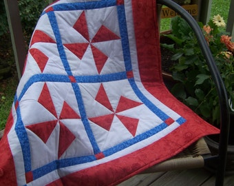 """SALE /Quilted Red Pinwheel Table Topper/Wall Hanging/Table Runner/Nautical Quilt/Baby Stroller Quilt /29.5"""""""