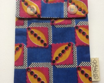 Reusable snack bag in blue African print fabric/environment friendly/food safe