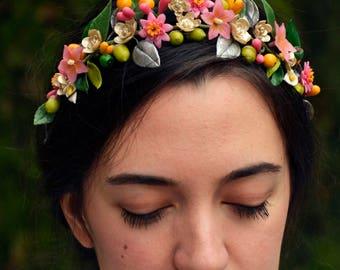 Tocado de porcelana, tocado dorado, tocado de flores , flores de porcelana, porcelana fría, tocado de novia, novia boho, novia vintage