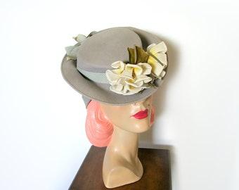 Vintage 1940's Gray Floral Tilt Hat/ Percher Hat~