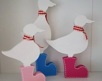 Set of 3 ducks in boots