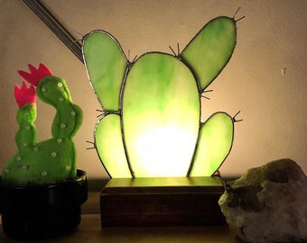 Prickly pear cactus stained glass lamp