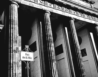 Berlin photography, street photography, Berlin Platz, Black and White, fine art photography, monument, architecture, Germany