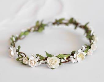 White green flower crown - Bridal headpiece - Green white floral crown - Wedding hair wreath - Garden wedding crown - White boho crown Halo