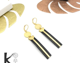 Dangling earrings in black leather and gold matte