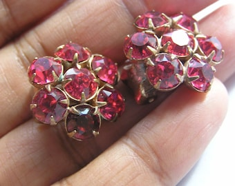 Ruby Glass Flower Cluster Earrings . Clip-On Earrings