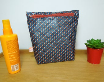 """Special pouch was coated cotton printed """"helium"""""""