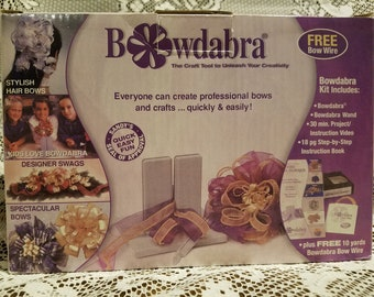 New Bowdabra Designer Bowmaker Bow Maker Kit with VHS Tape and Instructions