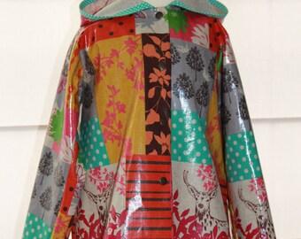Rainjacket for Kids with Hood in Echino fabric
