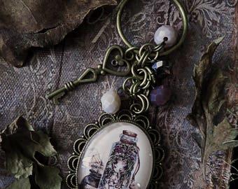 Keychain Mandrake in jar