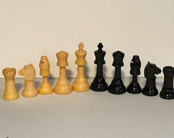 1940's Bakelite Chess Set (Pieces)