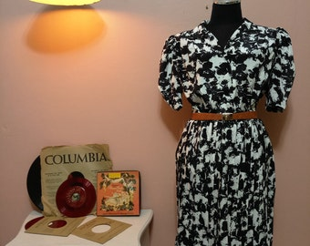 Black and White Suit. Womens Suit. Women's Dresses. Vintage Suit. 1950 Suit. 1950 Suit. 50's Fashion. Womens Suits. Womens Fashion.