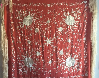 """Vintage Chinese silk embroidered red piano shawl Asian embroidery oriental tapestry 44"""""""