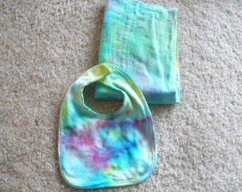 Two (2) Piece Tie-Dye Infant Bib and One (1) Burp Cloth, Baby Clothes, Hippie Baby, Baby Gifts, Tie-Dye Baby Items, Baby Shower Gifts