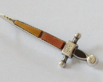 Vintage Sterling Silver Scottish Sword Onyx and Agate Brooch Pin Signed