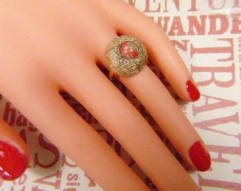 Vintage Gold Ring with Rust Cabochon -- Size 6.5 - R-260