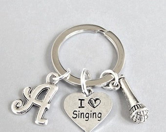 Personalized singer keyring, loves to sing keychain with initial, microphone, music charms, unisex gift for musician, opera, jazz, rock