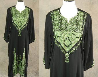 Clearance SALE vintage 70s Caftan - Black and Green Embroidered Ethnic Dress 1970s Boho Hippie Dress S M L