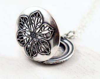 Floral Locket Necklace, Silver Filigree Locket, Flower Necklace, Round Locket, Anniversary Pendant, Vintage Locket