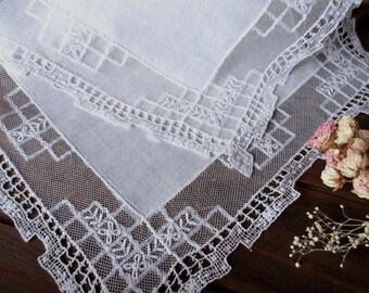 Wedding   Lace Handkerchief ,   Vintage Hanky , Wedding Handkerchief , White handkerchief  , Wedding Accessories  ,  Batiste  Embroidery .