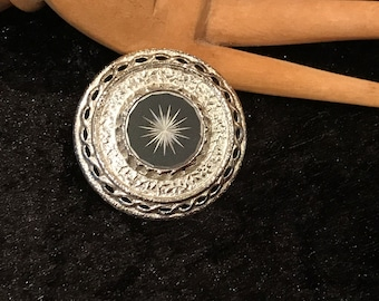 Sarah Coventry vintage silver plated brooch