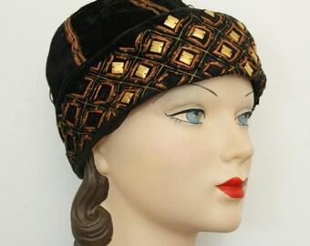 1920s velvet cloche | vintage 20s hat