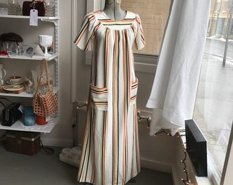 Floor length 1970s Terry Cloth Short Sleeve Striped House Dress Summer Bathing Suit Cover with Pockets