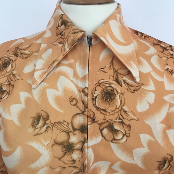 Dagger collar blouse crimplene shirt 1970s top orange top, rose print, UK 14, zip front, knit blouse, Mod, GoGo, Scooter Girl, damaged