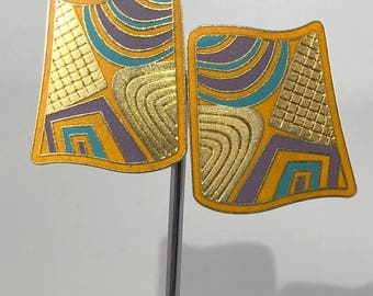 LAUREL BURCH Earrings Tivo Clip On Earrings Gold Tone Metal, Lavender, Green, Orange