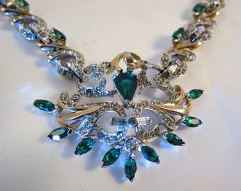 VTG Signed REJA Emerald Green & Clear Rhinestone Pendant Necklace