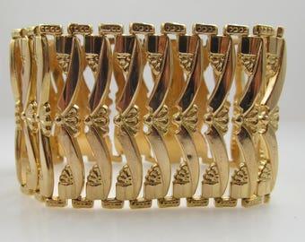 18k Rose Gold Wide Link Bracelet, Circa 1940