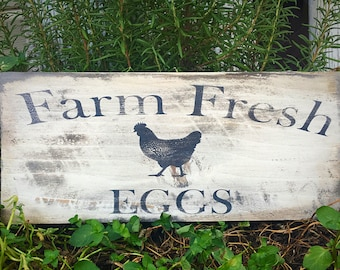 farm fresh eggs sign, rustic farmhouse sign, Mothers Day gift ideas, chicken decor, kitchen wall decor,mom gift for her, chicken lover gift