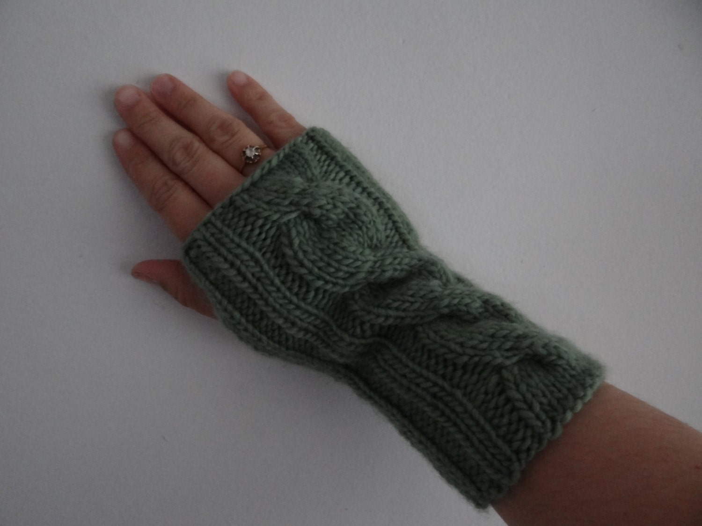 KNITTING PATTERN: Mirror fingerless gloves / Instant download PDF ...