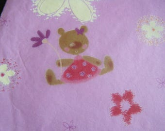 rose leaf decopatch bears on a background pattern for customization