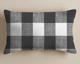 BLACK  PILLOWS .Pillow Covers Black  Buffalo Check Pillow Covers Black  Plaid Pillows Lumbar Pillows  12 x 18  Home Decor