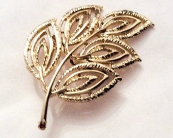 Leaf Brooch, Modernist, Gold Tone Vintage Jewelry SALE