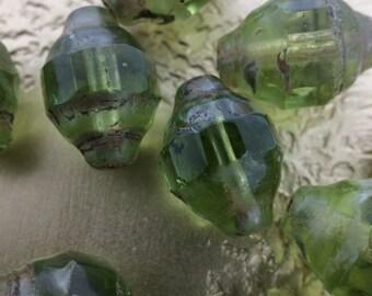Loose Czech Glass Beads, Green beads, 8 1/2mm Barrel beads, Green Czech Glass Beads, Wholesale #0747
