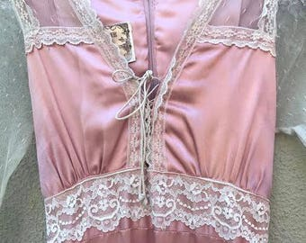 70's Dusty Rose Gunne Sax Satin and Lace Dress (Small)