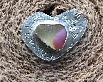 "Rare Scottish Multi Art Sea Glass Beach Bezel Set Quirky Pendant ""Love"" Heart Necklace On 18"" Chain - Green & Pink Milk Seaglass"