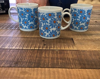 Groovy flower mugs from Japan
