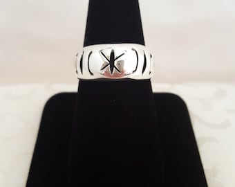 Pierce-Carved Band Ring of Mexican Sterling Silver -EB445